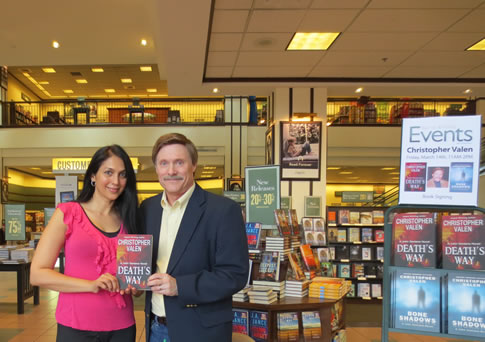 With actress Kalpana Pandit at the Foothills Mall B&N in Tucson, Arizona.